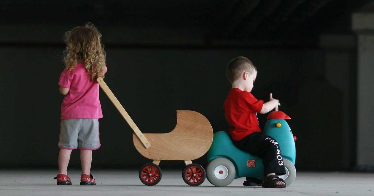 יותר מ-1,200 ילדים הותקפו מינית על ידי אחיהם ב-2014